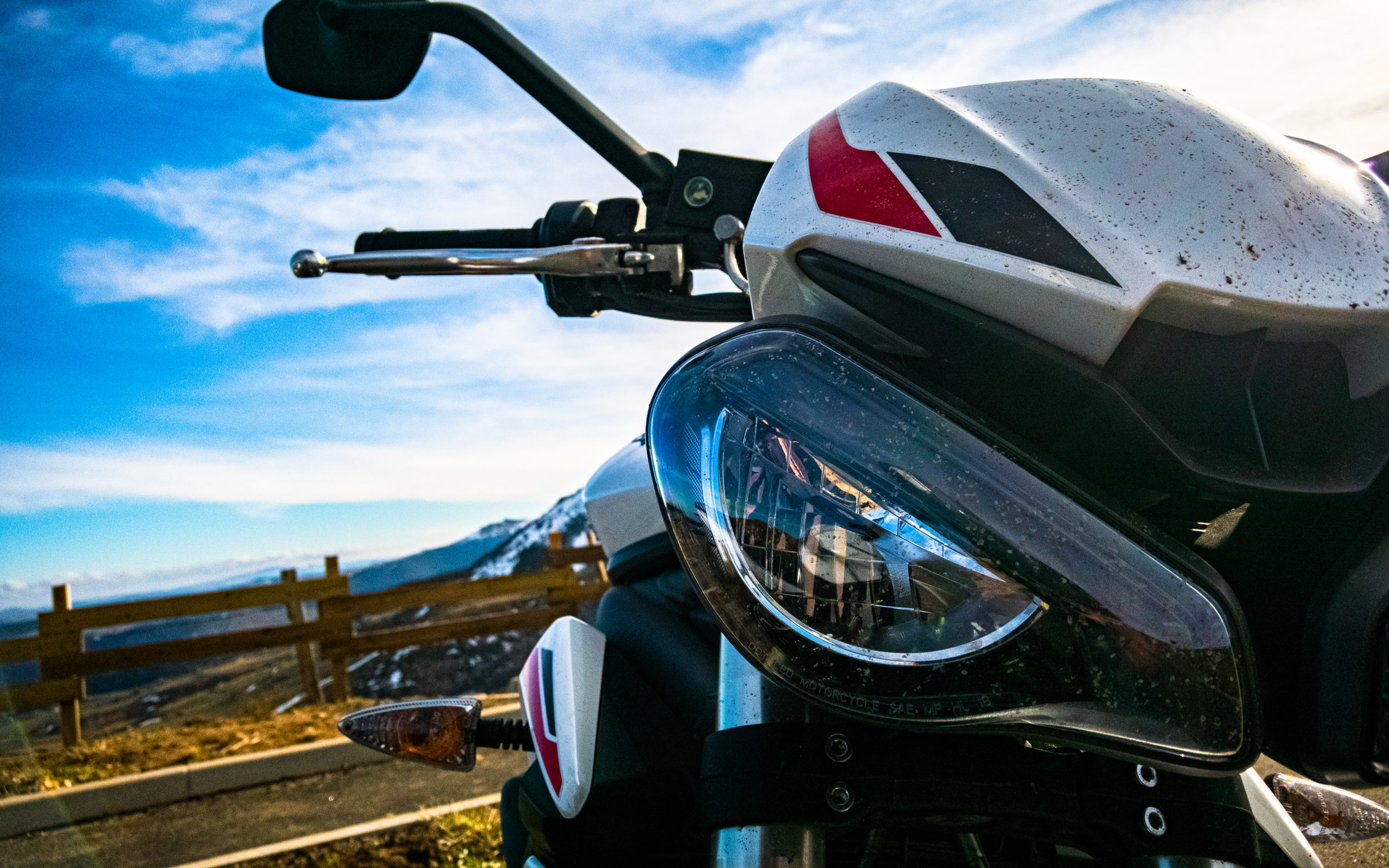 Triumph Street Triple S A2 660cc 47.5 hp 35kw sale de face avant